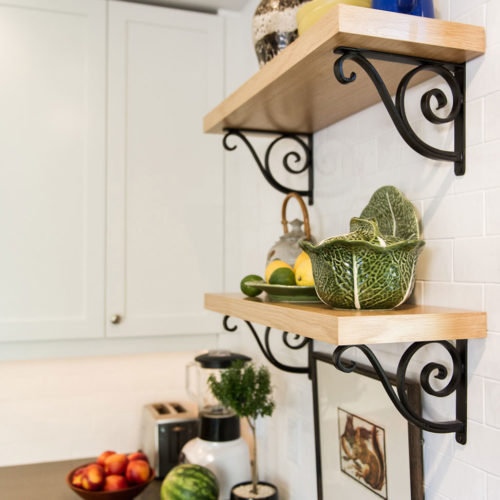 Winchester-Street-kitchen-shelves