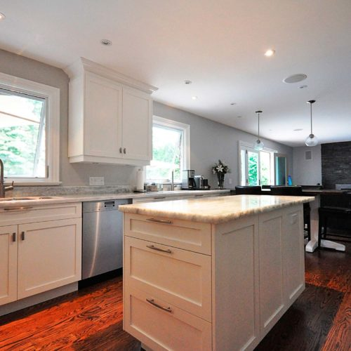 KENTLAND-CRESCENT-kitchen-island