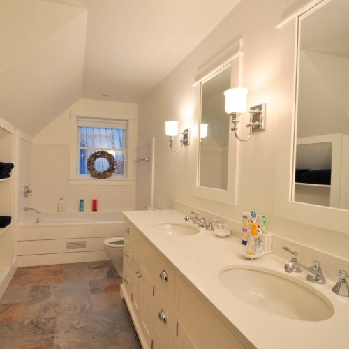 Muskoka-Cottage-sinks
