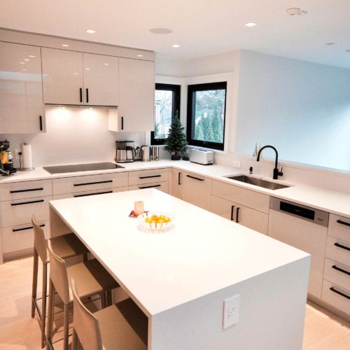 Brookdale-Avenue-kitchen-island